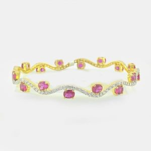 Diamond Bangles with synthetic ruby In 18Kt Gold(17.610 Gram)With Diamonds(1.96 Ct)