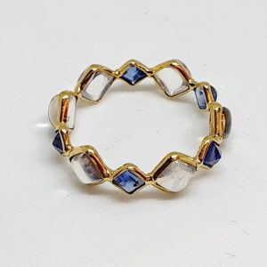 Square Sapphire Ring With Moonstone In 18Kt Yellow Gold (1.150 Grams)
